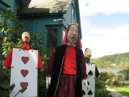 Queenofheartsandknavesscarecrows_2